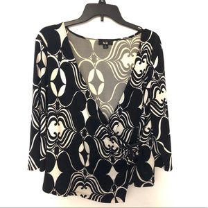 4/$25 Black and White Blouse